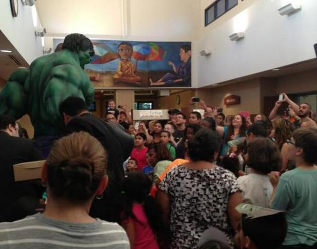 Hulk statue at the Northlake Public Library