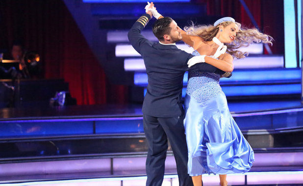 Dancing With The Stars (Fall 2013) episode 3: Val Chmerkovskiy & Elizabeth Berkley