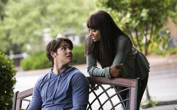 Steven R. McQueen as Jeremy and Kat Graham as Bonnie in 'The Vampire Diaries' S05E01: 'I Know What You Did Last Summer'