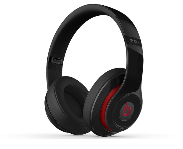 Beats Studio 2013 headphones.