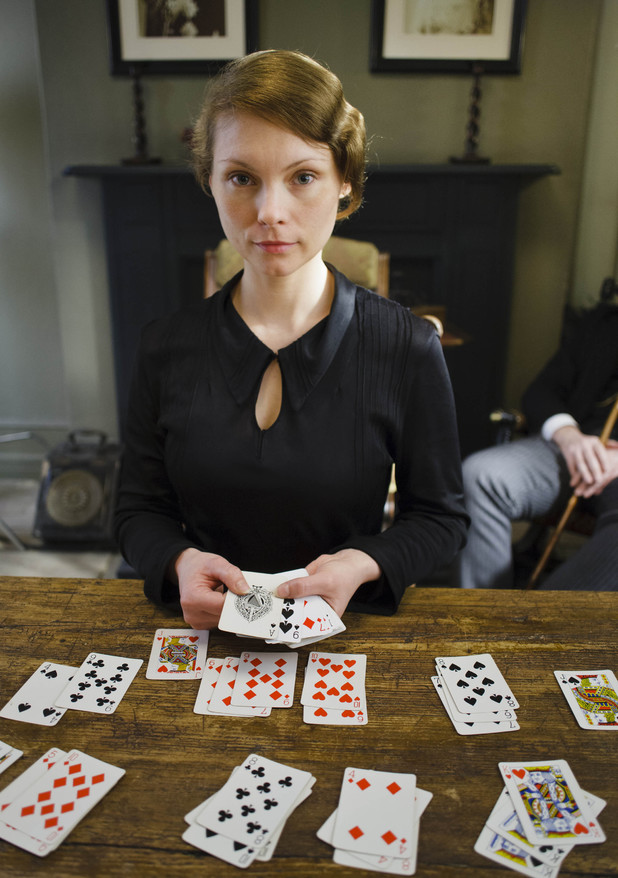 Myanna Buring as Edna in 'Downton Abbey' episode 3