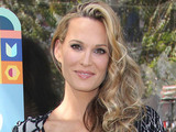 Molly Sims attends Hello LA Celebrity Pop-ups show presented by Airbnb in Los Angeles