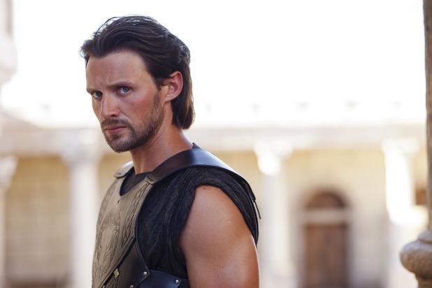 Oliver Walker as Heptarian