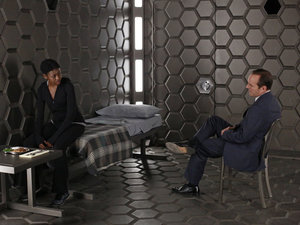 Pascale Armand as Akela Amadour and Clark Gregg as Phil Coulson in 'Agents of SHIELD' S01E04: 'Eye Spy'