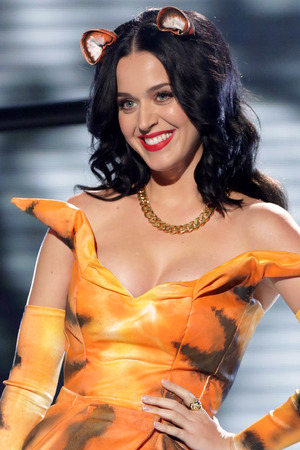 Katy Perry sings her hit single 'Roar'
