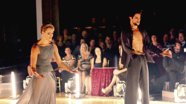 Dancing With The Stars (Fall 2013) episode 5: Brant Daugherty & Peta Murgatroyd