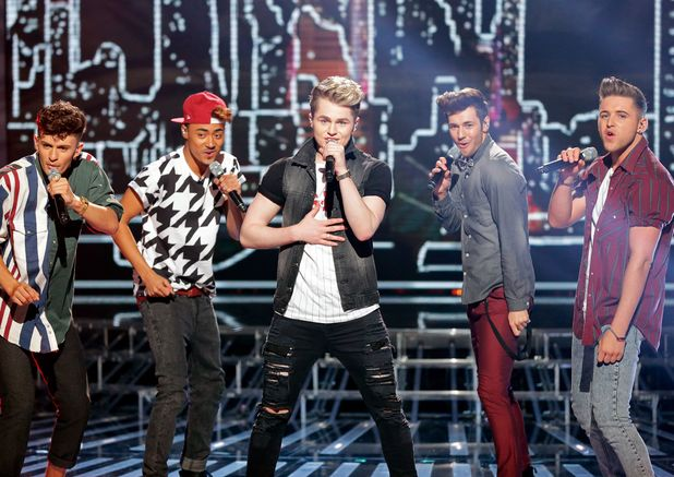 Kingsland Road perform 'Pretty Woman'.