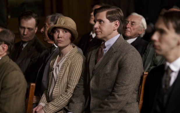 Daisy Lewis as Sarah Bunting and Allen Leech as Tom Branson in Downton Abbey series 4 episode 7
