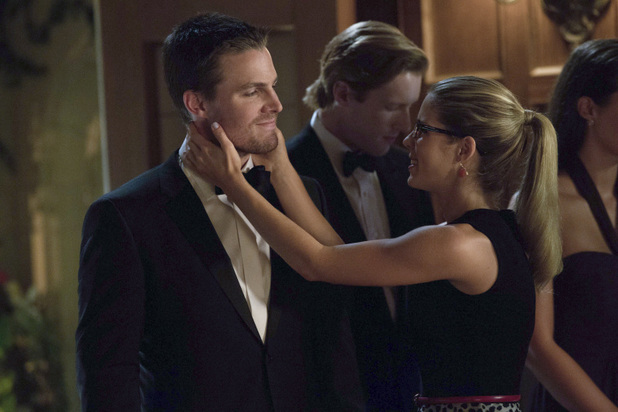 Stephen Amell as Oliver Queen and Emily Bett Rickards as Felicity Smoak in 'Arrow' S02E04: 'Crucible'