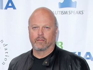 Michael Chiklis at the Light Up The Blues Concert Benefitting Autism Speaks, Los Angeles