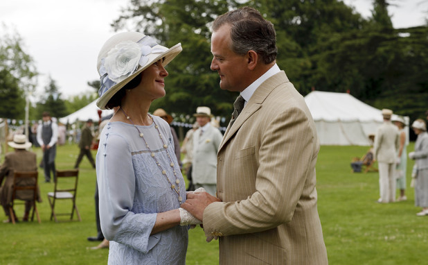 Elizabeth McGovern as Lady Grantham and Hugh Bonneville as Lord Grantham in Downton Abbey episode 8