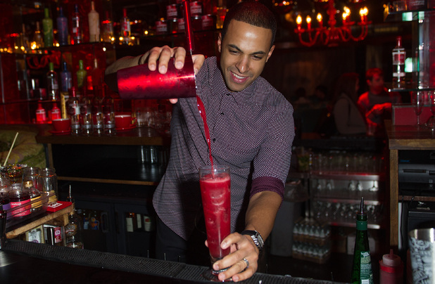 Marvin Humes makes a 'Rochelle Sundae' cocktail
