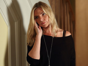 Ronnie considers drastic action over Roxy