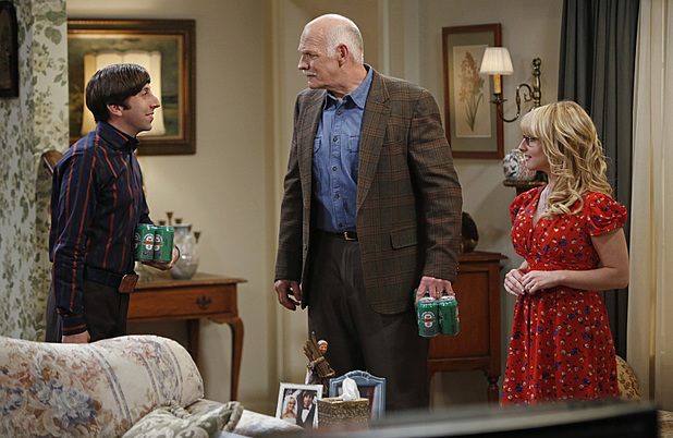 Simon Helberg, Casey Sander and Melissa Rauch in The Big Bang Theory: 'The Thanksgiving Decoupling'