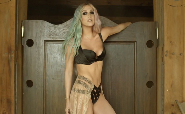 Ke$ha in Pitbull's 'Timber' music video