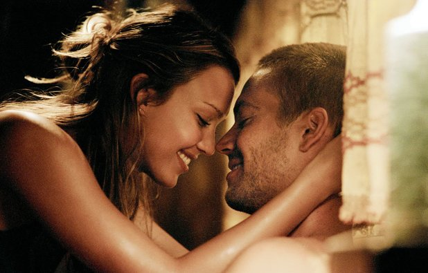 Paul Walker and Jessica Alba in Into the Blue
