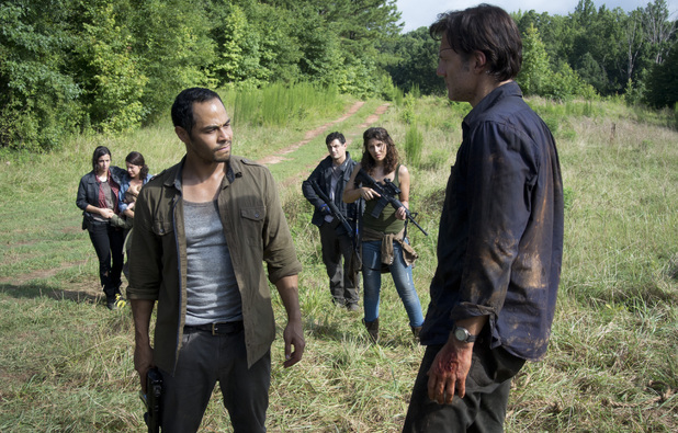 Tara (Alana Masterson), Lilly (Audrey Marie Anderson), Martinez (Jose Pablo Cantillo), Pete (Enver Gjokaj), Alisha (Juliana Harkavay) and The Governor (David Morrissey)  in The Walking Dead: 'Dead Weight'