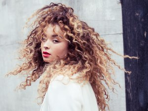 Ella Eyre (image provided by the Brits)