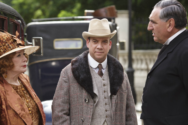 Shirley Maclaine as Martha Levinson, Paul Giamatti as Harold Levinson & Jim Carter as Mr Carson in Downton Abbey Christmas Special