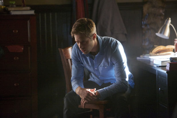 Shaun Sipos as Aaron in The Vampire Diaries: 'The Cell'