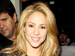Shakira arrives at the Los Angeles International Airport, America - 08 Dec 2013