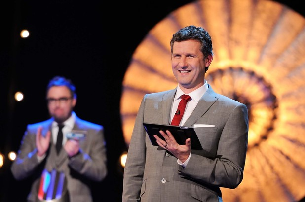 Adam Hills hosts 'Fifteen to One' special