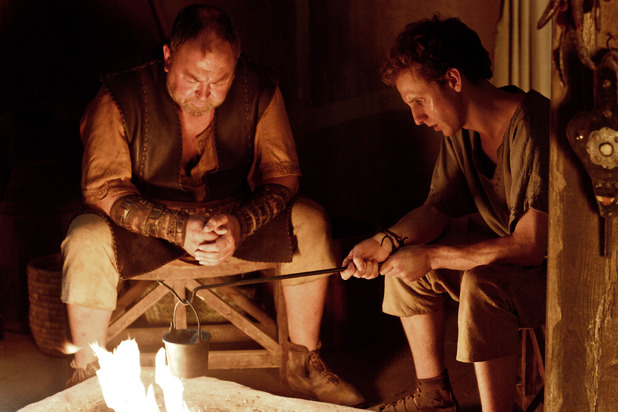 Mark Addy as Hercules & Robert Emms as Pythagoras in Atlantis episode 10: 'Hunger Pangs'