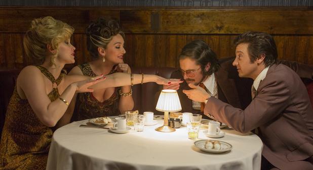 Elisabeth Röhm, Christian Bale, Jennifer Lawrence, Jeremy Renner in American Hustle