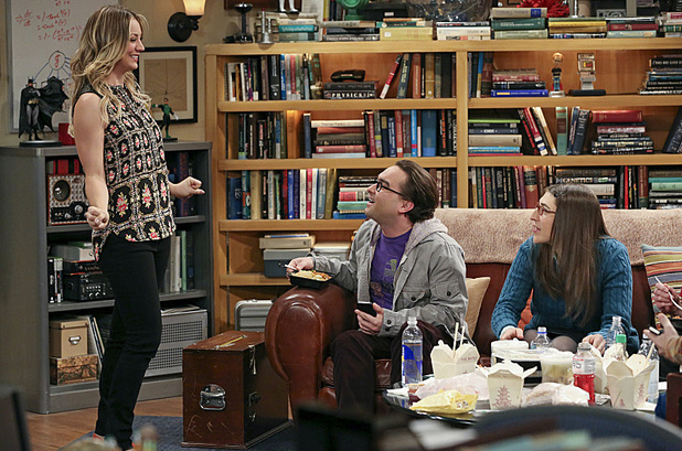 Kaley Cuoco as Penny, Johnny Galecki as Leonard & Mayim Bialik as Amy in The Big Bang Theory: 'The Hesitation Ramification'