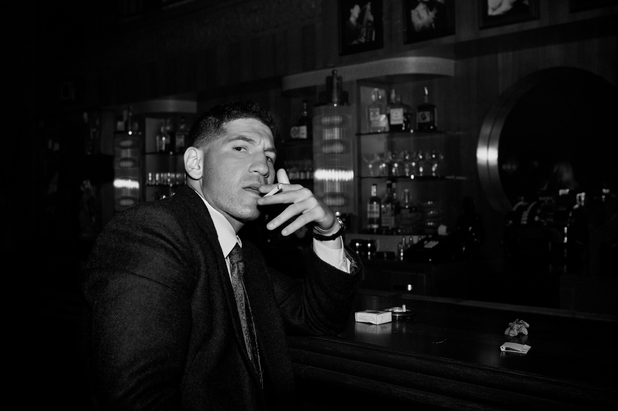 Jon Bernthal as Joe Teague in Mob City: Episode 1