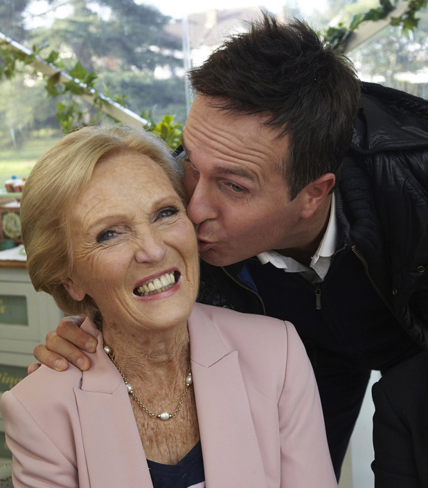 Michael Vaughan gives Mary Berry a smooch