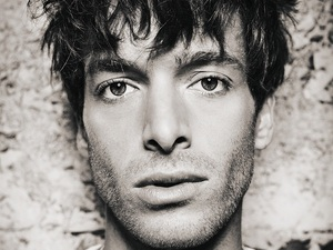 Paolo Nutini press shot 2014.