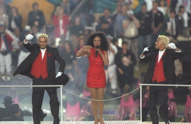 Diana Ross performs at the halftime show during Super Bowl XXX between the Dallas Cowboys and Pittsburgh Steelers, 1996