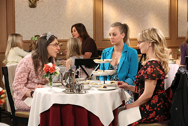 Kaley Cuoco as Penny, Melissa Rauch as Bernadette and Mayim Bialik as Amy in The Big Bang Theory: 'The Convention Conundrum'