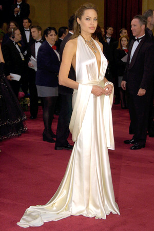 2004 OSCARS / ACADEMY AWARDS, LOS ANGELES, AMERICA - 29 FEB 2004 Angelina Jolie