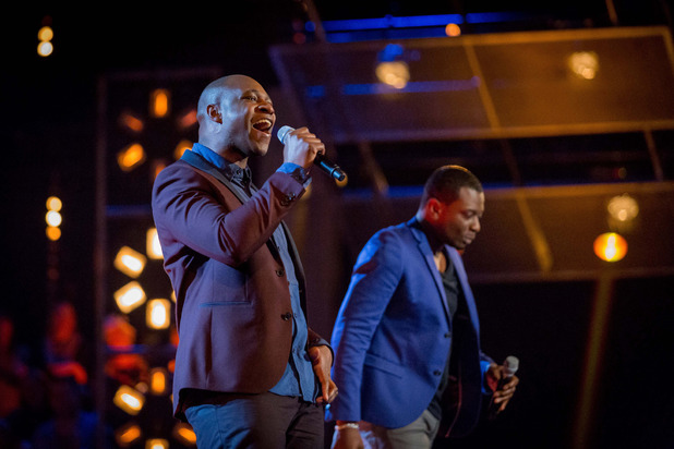 Kenny Thompson and Bizzi Dixon battle on The Voice