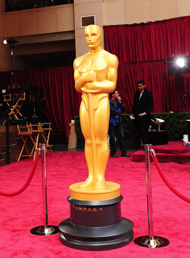 Oscars statue red carpet