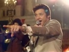 American Hustle deleted scene released - Jeremy Renner sings