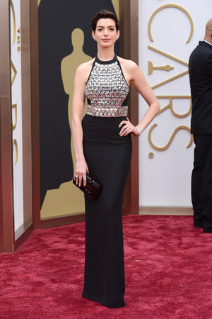 Anne Hathaway arrive at the Oscars