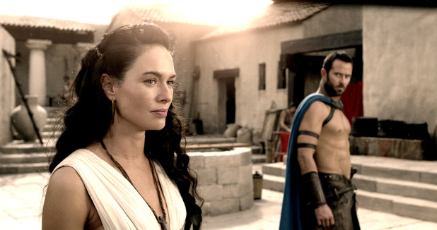 Lena Headey, Sullivan Stapleton in 300: Rise of an Empire.