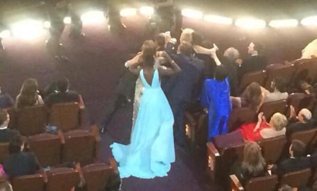 Liza Minelli misses out on the Oscars selfie