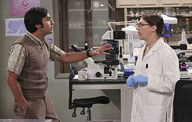 Kunal Nayyar as Raj & Mayim Bialik as Amy in The Big Bang Theory: 'The Friendship Turbulence'