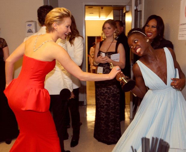 Jennifer Lawrence 'snatches' Lupita Nyong'o's Oscar