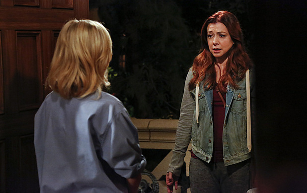 Laura Bell Bundy as Becky & Alyson Hannigan as Lily in How I Met Your Mother: 'Daisy'