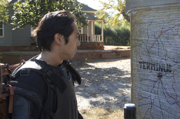 Steven Yeun as Glenn in The Walking Dead S04E13: 'Alone'