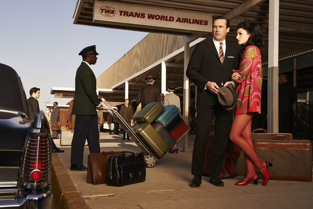 Don Draper (Jon Hamm) and Megan Draper (Jessica Pare) in Mad Men season 7 still