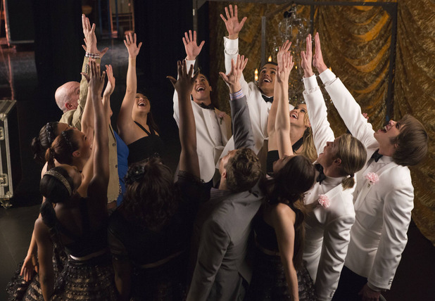 The New Directions in Glee S05E11: 'City of Angels'