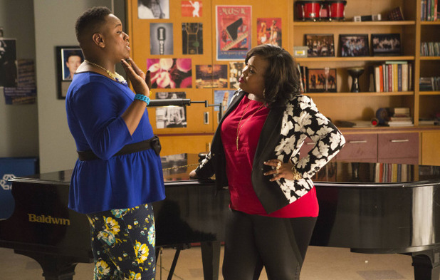 Alex Newell as Unique & Amber Riley as Mercedes in Glee: '100'