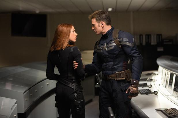 Scarlett Johansson Chris Evans Captain America The Winter Soldier