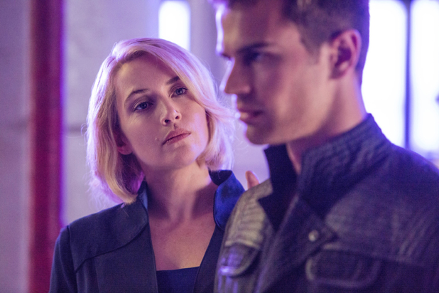 Theo James and Kate Winslet in Divergent